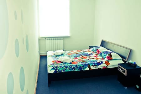 BLUE Standard room with shared Bathroom in Hostel - Dorm
