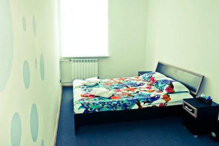 BLUE Standard room with shared Bathroom in Hostel - L'viv - Dorm