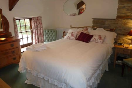 Lovely cottage & great hospitality - Cornwall - Bed & Breakfast