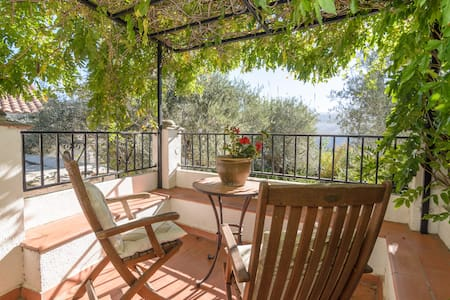 Stylish Andalucían farmhouse, beautiful location - Huis