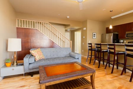 Grand Avenue Condo - Apartment