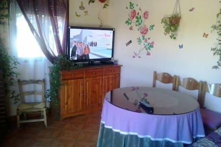 Casa Rural con chimenea y barbacoa - Casa