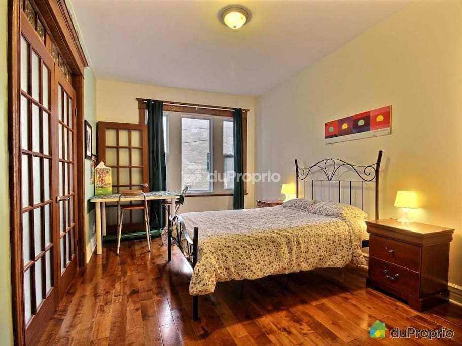 Charming & close to everything! 2BD