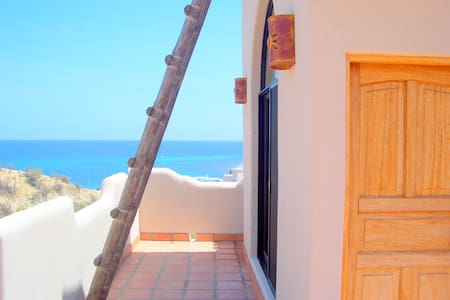 Rapunzel's Tower, Near Beach, Amazing Ocean Views - Los Barriles - Casa