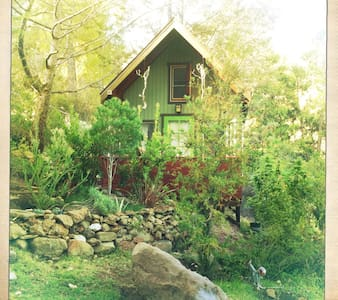 Romantic Cottage in Malibu Wine Country - Agoura Hills - Aamiaismajoitus