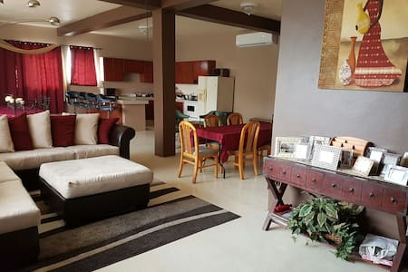Spacious Agat home - Agat - Casa