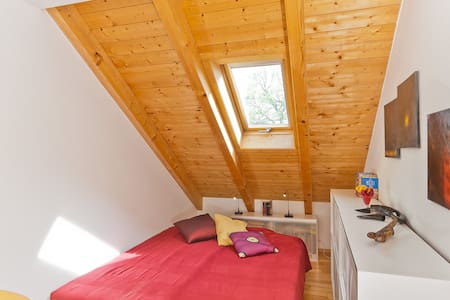 Appartement:Cozy, bright and quiet  - Pis