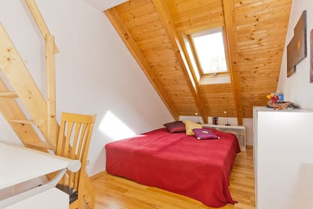 Appartement:Cozy, bright and quiet  - Putzbrunn - Apartment