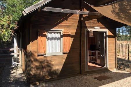 Rustikal und urspründlich - die Casa Madeira. - Zomerhuis/Cottage