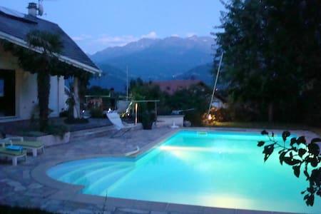 Chambre d'hôtes  proche de Grenoble - Saint-Nazaire-les-Eymes - Bed & Breakfast