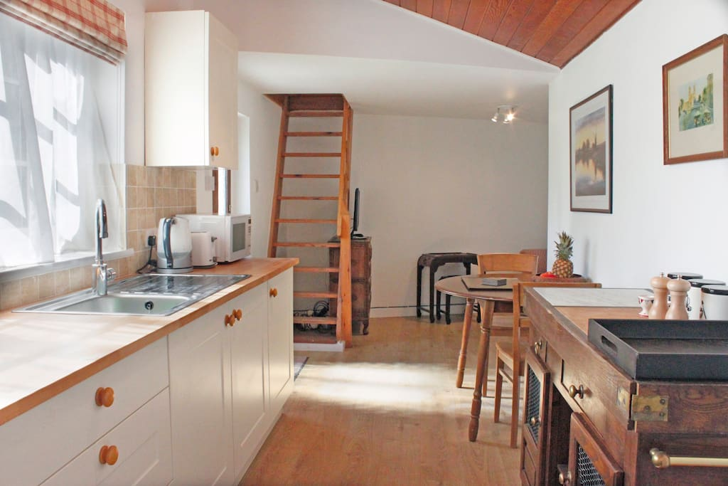 Cosy Cottage adjoins 1836 Windmill