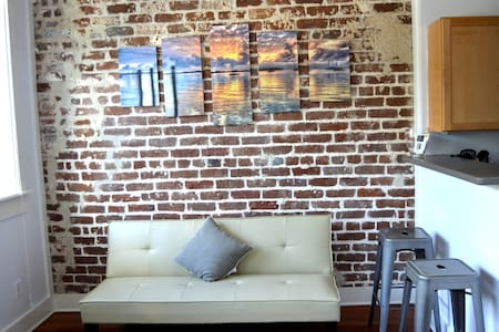 Fun Loft on Bay (202) - Apartamento