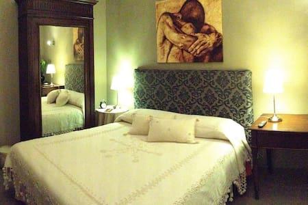Charme Living Santa Pau - Bed & Breakfast
