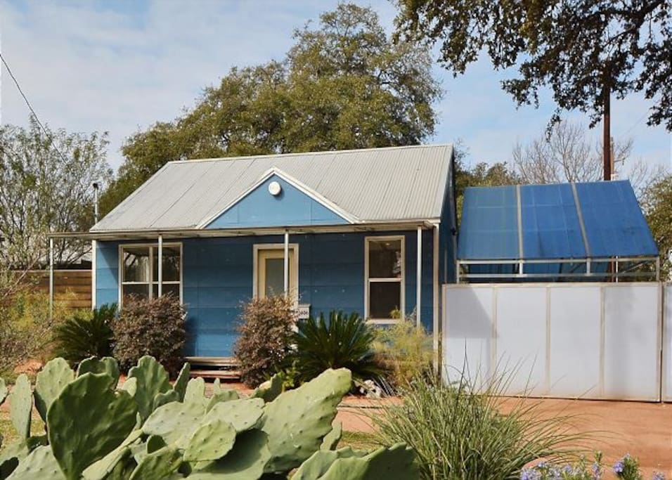 Bungalow with studio in heart of s austin houses for rent in austin