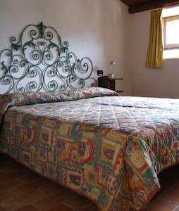 Appartamento Leontina - Capestrano - Lejlighed