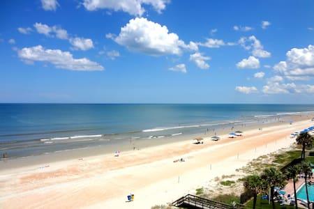 Oceanfront Penthouse 3 Bdr Paradise - Leilighet