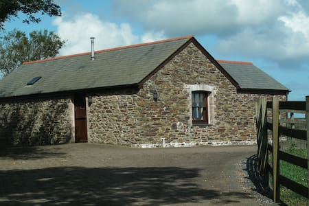 Cornish self catering barn on farm - Bungalou