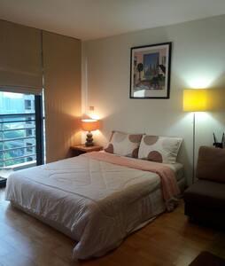 Best location private room for 2 ! - Lägenhet