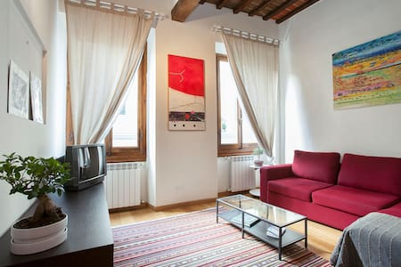 Last minute OFFER July!Central flat