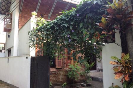 VILLA  - 53/2 - Boralesgamuwa - Apartment