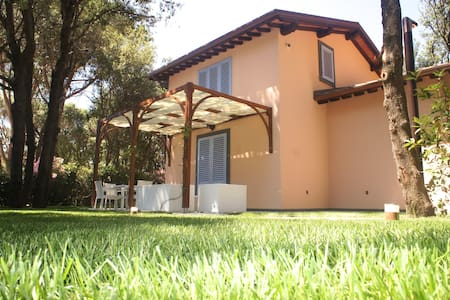 Villa Private Beach - San Vincenzo - Villa