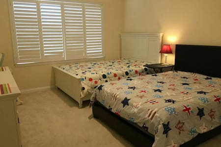 spacious cozy two Queen size bed带卫浴 - Rowland Heights