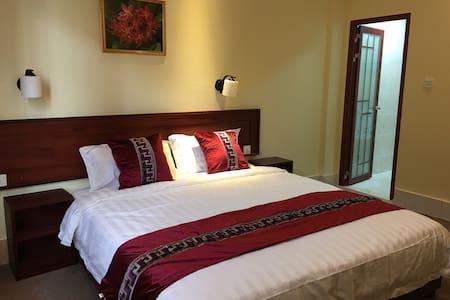 Sunny room 綺麗な部屋 Habitación del sol - Vientiane