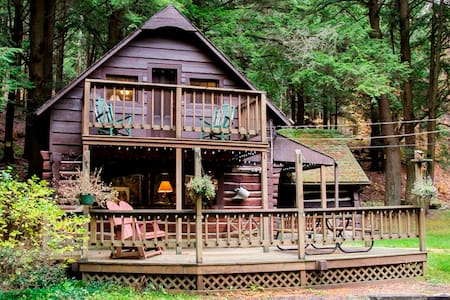 Vintage, Streamside Log Cabin
