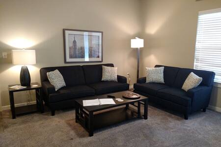 Best Deal EVER!!!!  Modern Apartment Available - Boise - Departamento