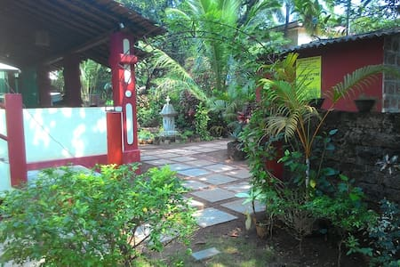 Double Room at Anjuna, Centrally located - Willa