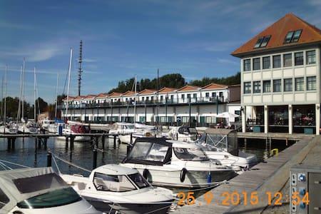 Fewo mit Wasserblick! Am Hafen Karlshagen/ Usedom - Apartment