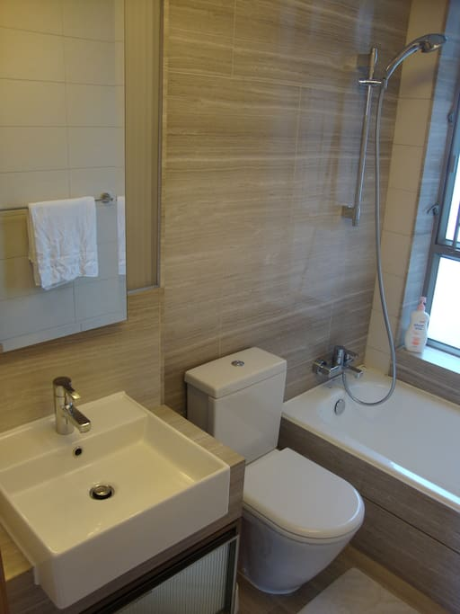 Awesome flat in Hong Kong with maid
