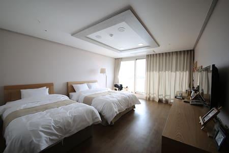 호텔아로하 스탠다드룸 - Bed & Breakfast