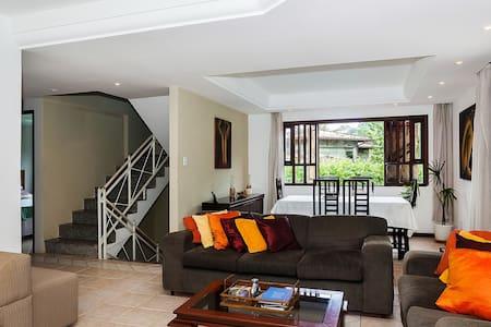 Casa Grande Luxo HomeStay - Lauro de Freitas - Ev