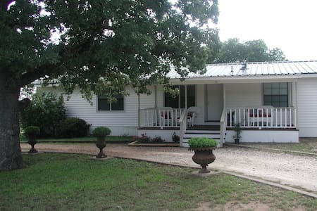 PRIVATE Home Away from Home ! - Cedar Creek