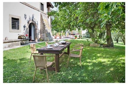 Casa Brigida in casale con piscina - Capranica