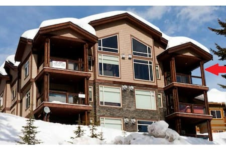 Luxury 3 Bedroom + Loft, Ski-in/out - Chalet