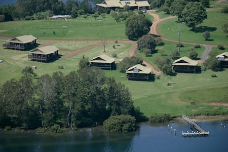 Black Bream Point Cottages - Cabin