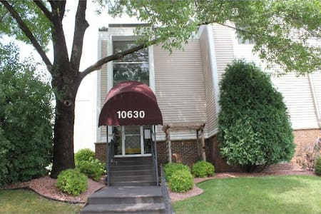 Great One Bedroom Condo - Minneapolis