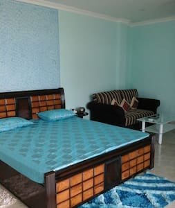 2 private rooms in a duplex House - Guwahati - Bed & Breakfast