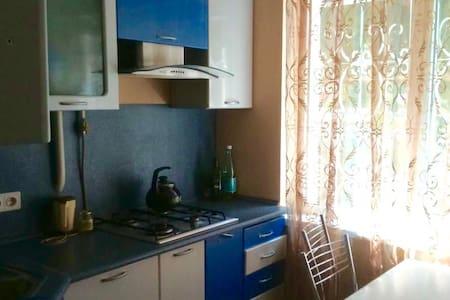 уютная квартира в самом центре Сочи, 33 м², 1/5 эт - Appartamento