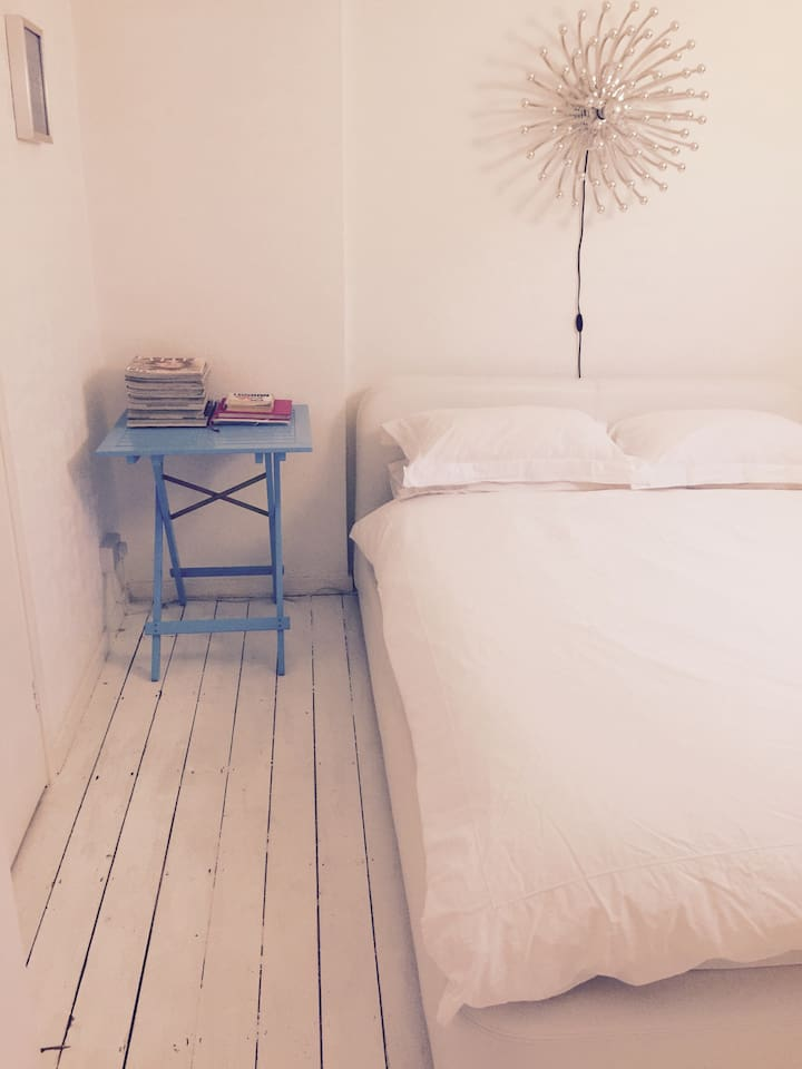 Room in lovely, peaceful flat.