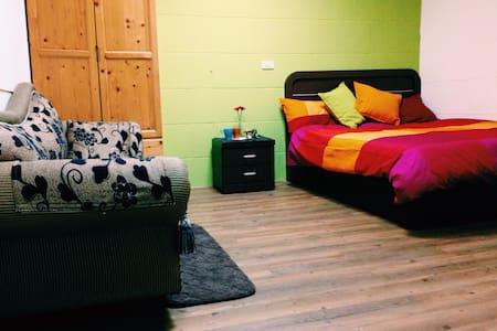 獨立套房,竹科上班族出差的好選擇,只要800!乾淨、舒適、便利! - Casa