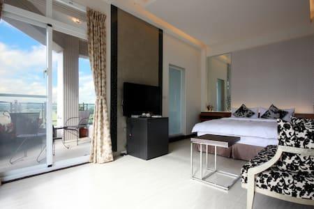 浪漫情侶景觀湯屋雙人房+886985919888 - Hengchun - Bed & Breakfast