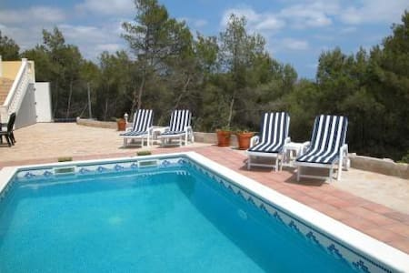 VILLA SUNSHINE con piscina privada. - Olivella