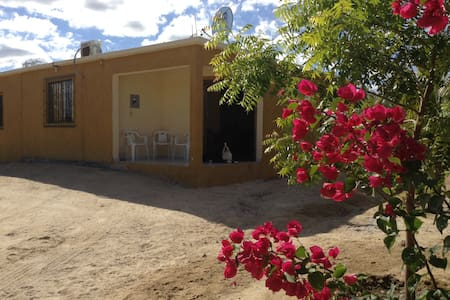 Two Bedroom House.2 Blocks to Beach - La Ventana