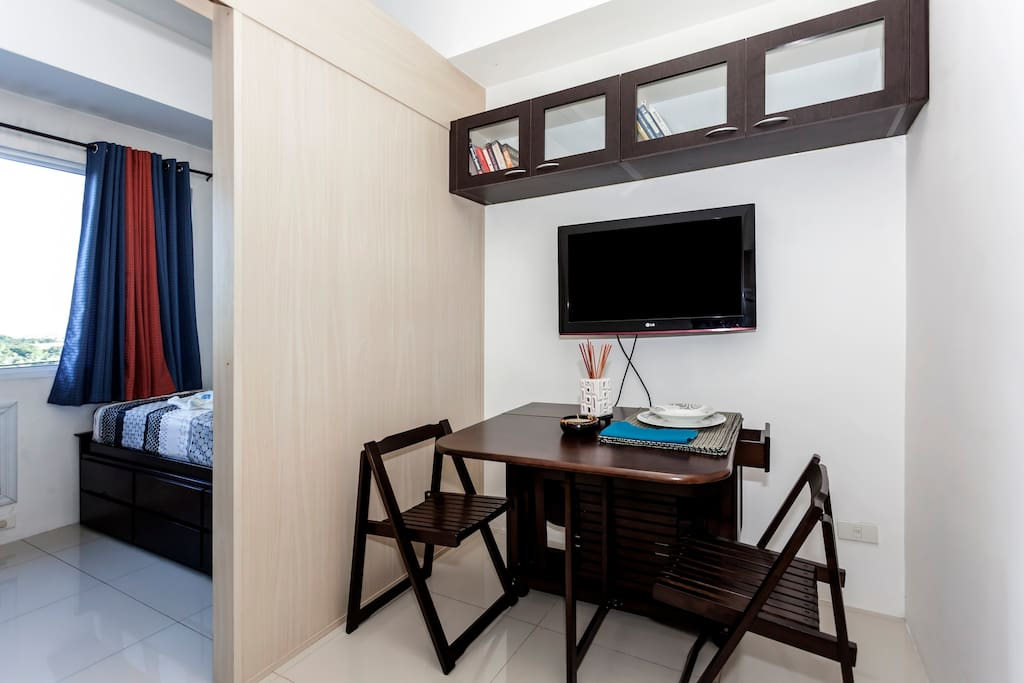Katipunan ave loyola heights pad apartments for rent in for Cocktail tables for rent quezon city
