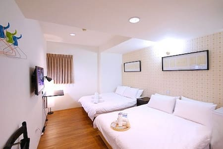 Taichung Fengjia - DODO hostel travel 303 room - 台灣台中市