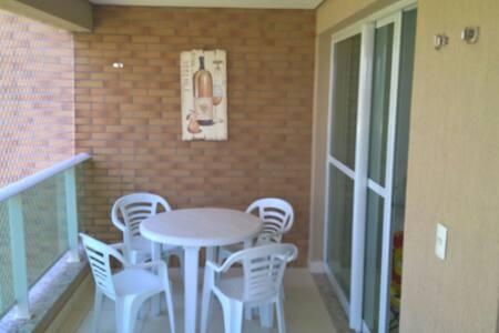 Apartamento em Condomínio na Praia - Wohnung