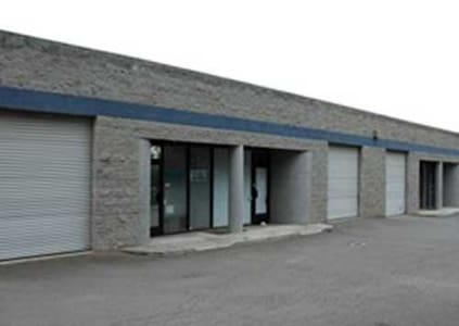 1250 SQ FT WAREHOUSE WITH ROLL UP DOOR! - Fremont - Loft